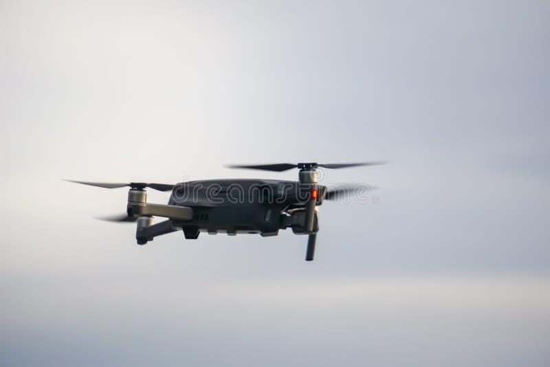 Nuevo abejón de la GEN que vuela el artilugio aéreo del equipo que tira imagen de archivo