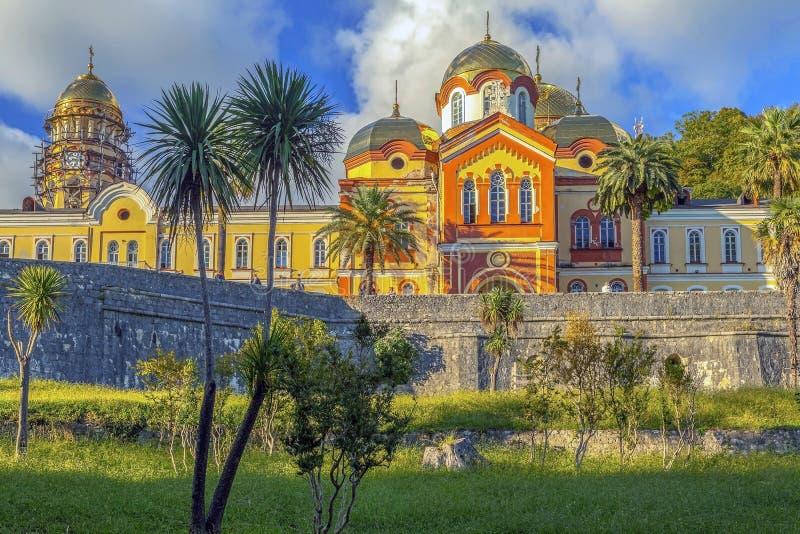 NUEVO AFON, ABJASIA - 21 DE OCTUBRE DE 2014: El monasterio de Simono-Kananitsky fotos de archivo