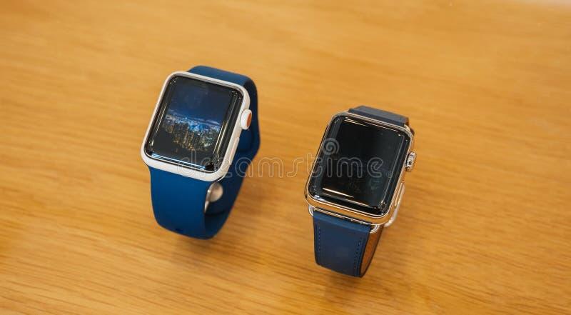 Nuevo Apple mira el reloj de cerámica del oro de la serie 3 foto de archivo