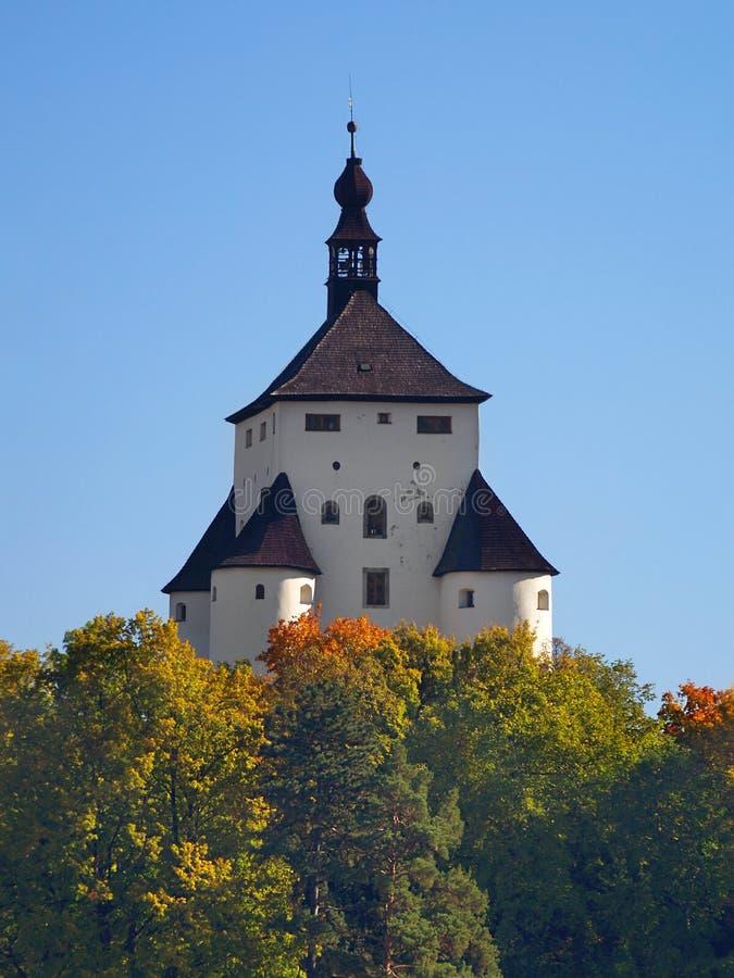 Nuevo castillo en Banska Stiavnica, Eslovaquia imagenes de archivo