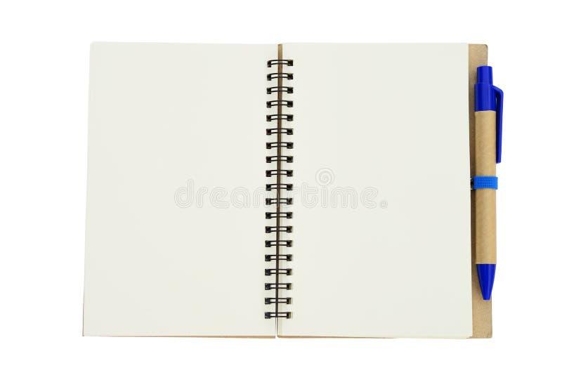 Nuevo cuaderno vacío con la pluma azul fotografía de archivo libre de regalías