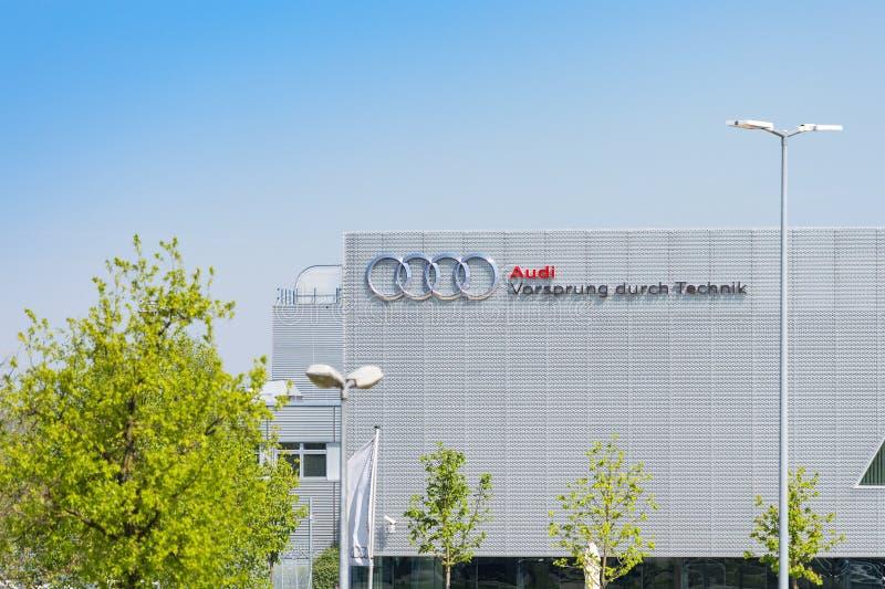 Nuevo edificio moderno de Audi Training Center en Munich imagen de archivo