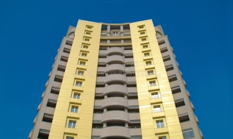 Nuevo edificio residencial foto de archivo libre de regalías