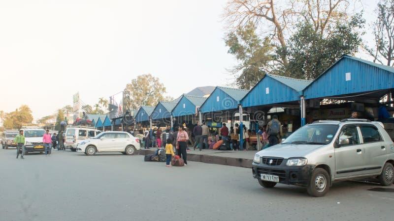 Nuevo ferrocarril del empalme de Jalpaiguri, el 1 de mayo de 2018 - estación del NJP en un día Punto de entrada a Nepal, a Sikkim imagen de archivo libre de regalías