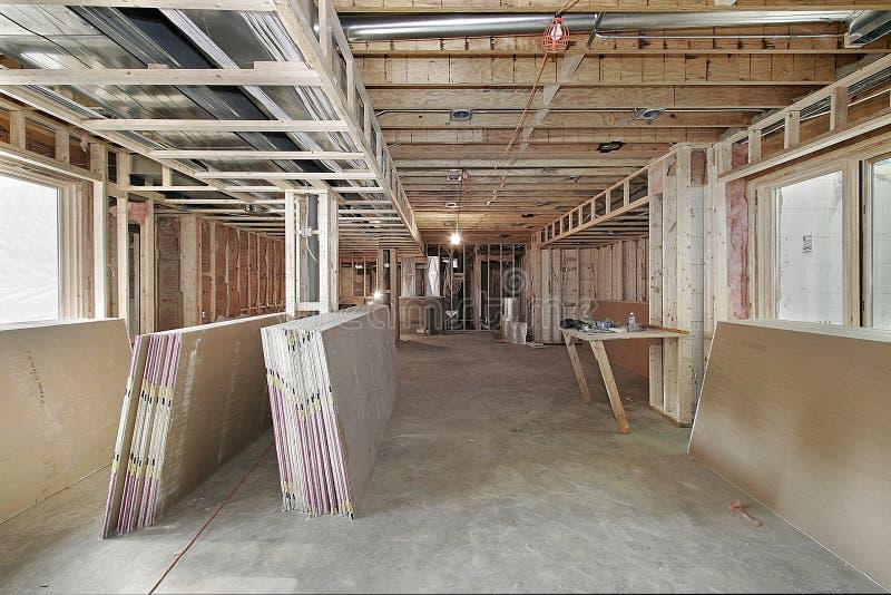 Nuevo hogar bajo construcción imágenes de archivo libres de regalías
