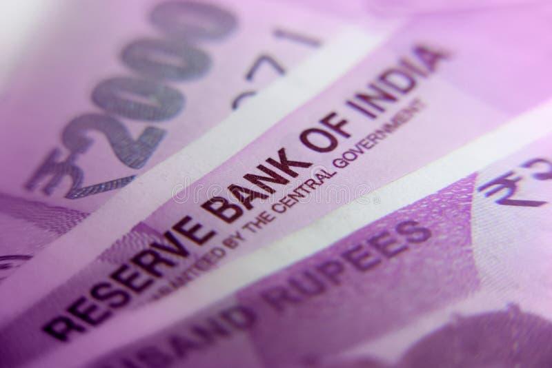 Nuevo indio 2000 notas de la moneda de la rupia imagen de archivo libre de regalías