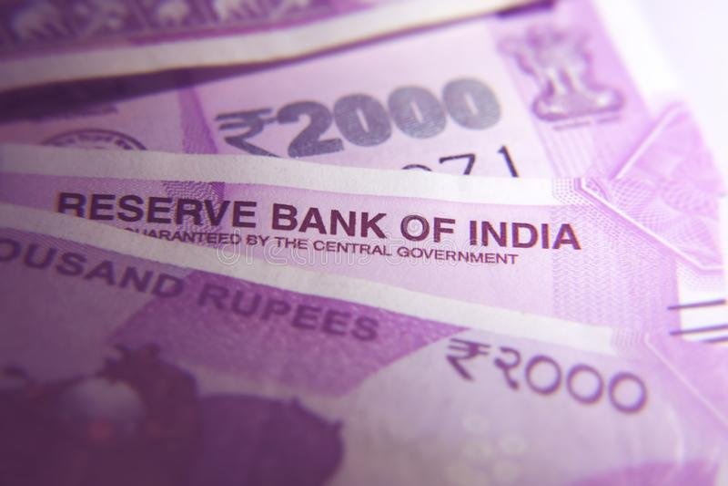Nuevo indio 2000 notas de la rupia fotografía de archivo