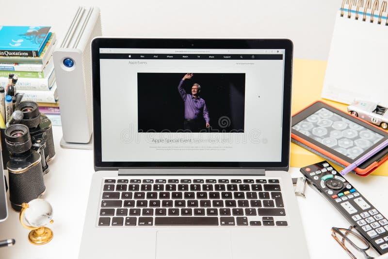 Nuevo iPad de los Apple Computer favorable, iPhone 6s, 6s más y Apple TV imagen de archivo