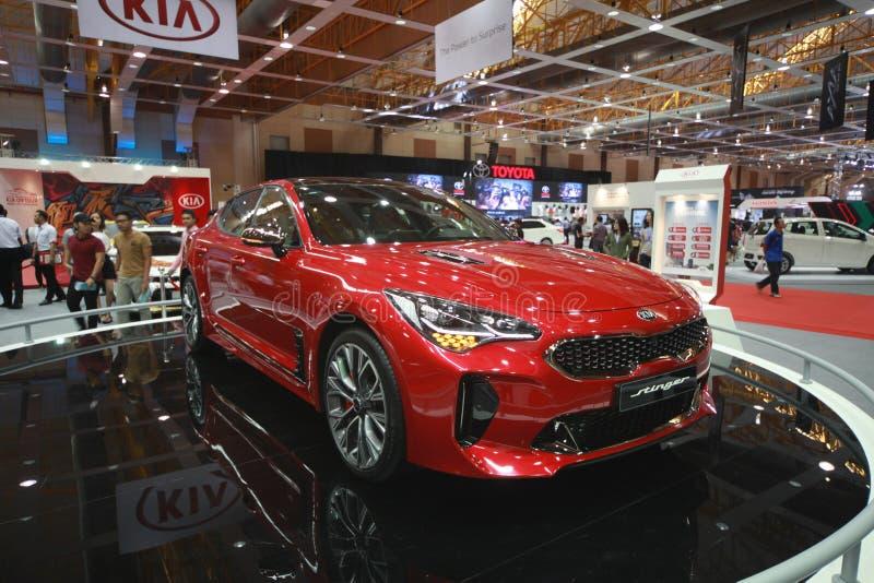 Nuevo Kia Stinger sido demostración en el autoshow 2017 del coche de Malasia imagen de archivo libre de regalías