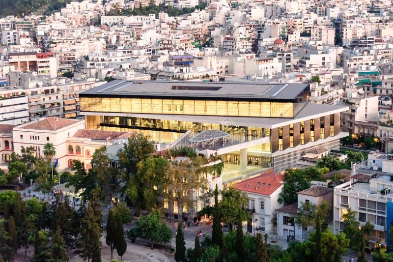 Nuevo museo de la acrópolis iluminado fotografía de archivo