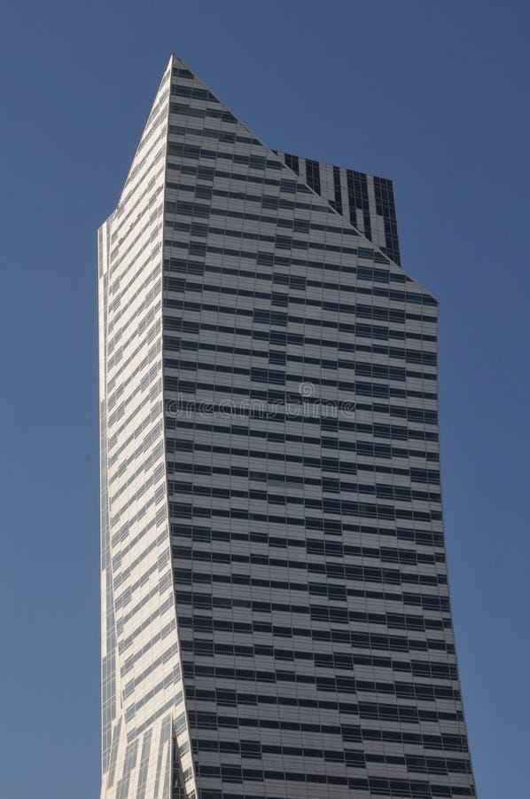 Nuevo rascacielos builded de la oficina de la torre fotos de archivo libres de regalías