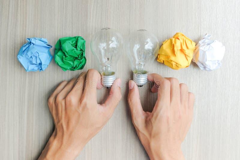 Nuevos conceptos de la idea, creativos, del genio y de la innovación imagen de archivo