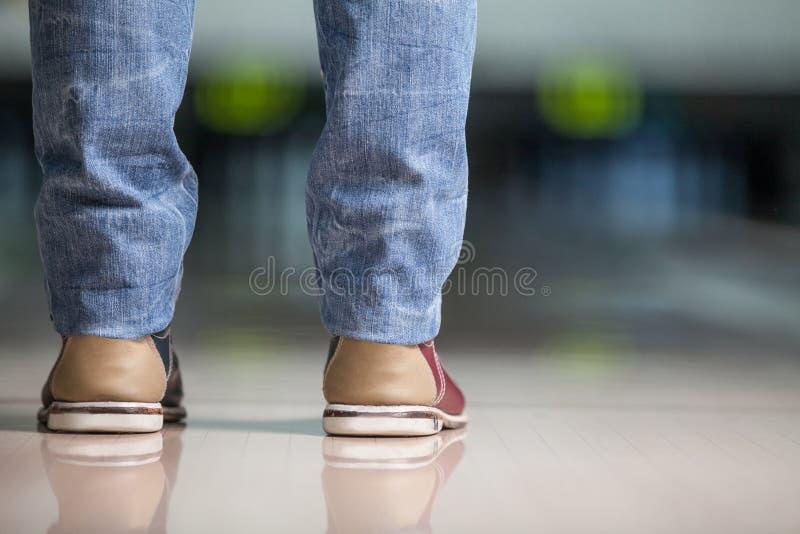 Nuevos zapatos de bolos de Fangled. imagen de archivo