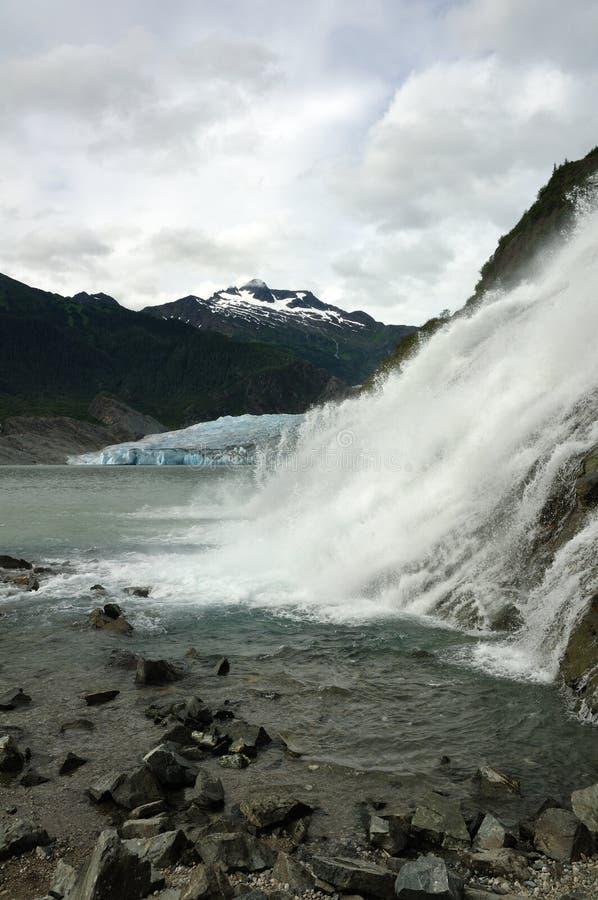 Nugget-Fälle, Mendenhall Gletscher, Juneau, Alaska lizenzfreie stockfotografie