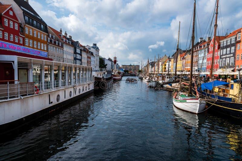 Nuhavn港口在哥本哈根 免版税库存图片