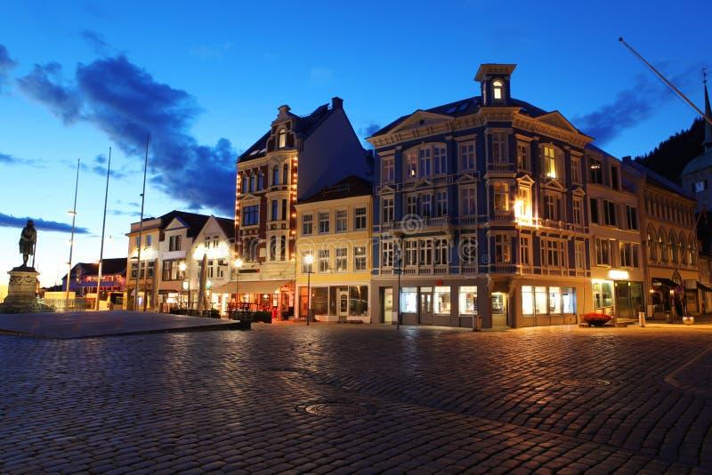 Nuit à Bergen photo stock
