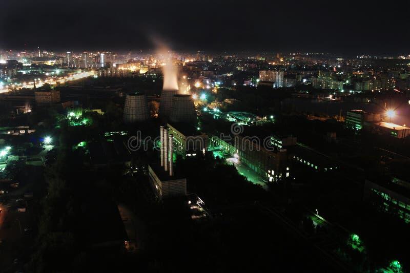 Nuit à Iekaterinbourg images stock