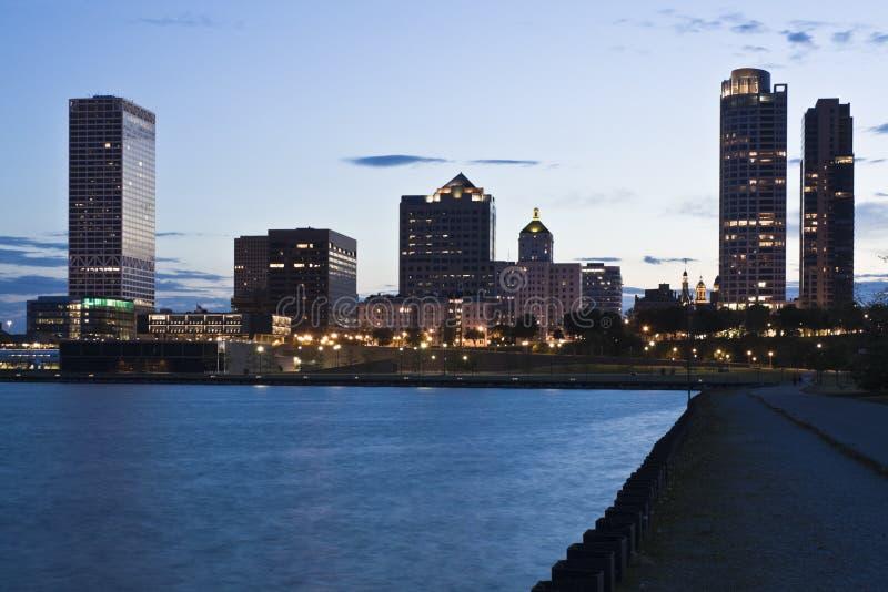 Nuit à Milwaukee photos stock