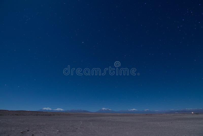 Nuit étoilée en montagne des Andes image libre de droits