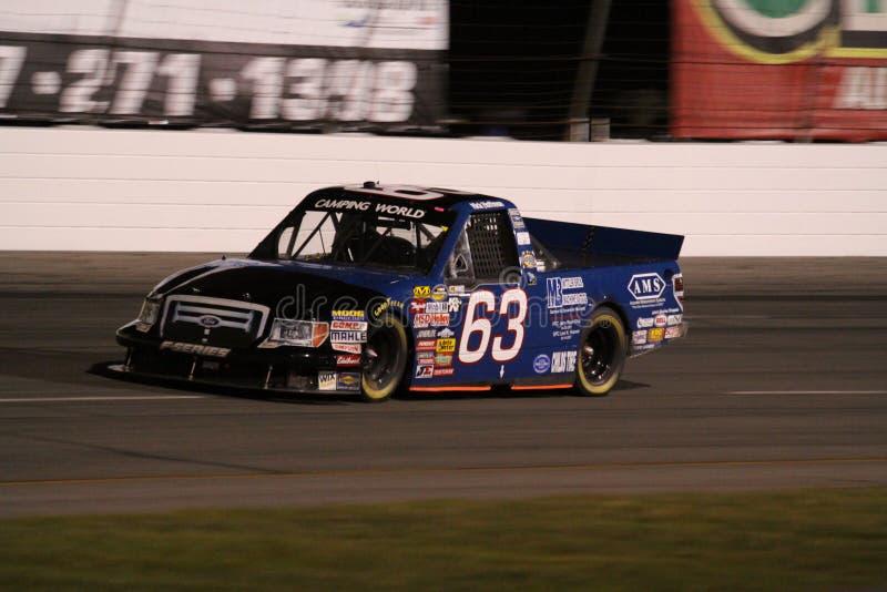 Nuit 63 de la série ORP de camion de Nick Hoffman NASCAR photos libres de droits