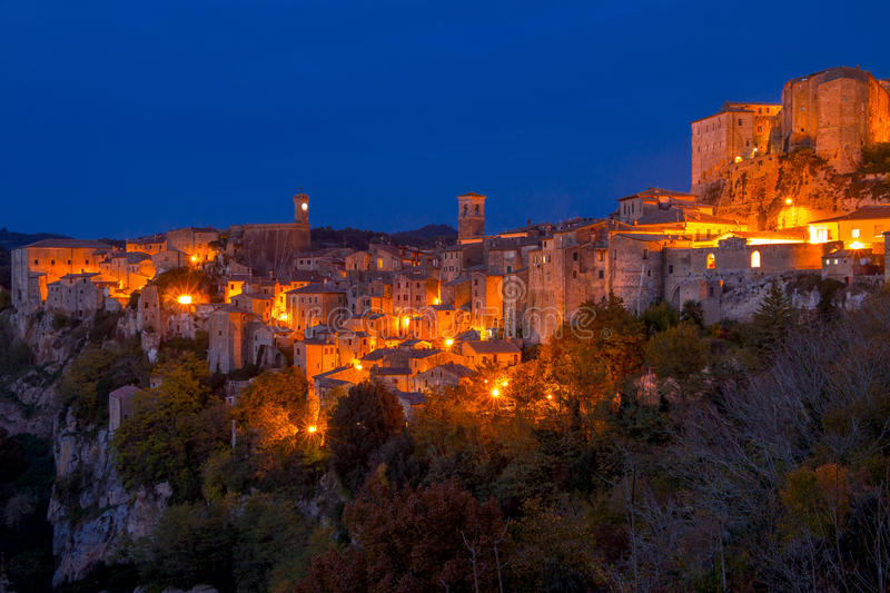 Nuit au-dessus d'Autumn Sorano photo stock