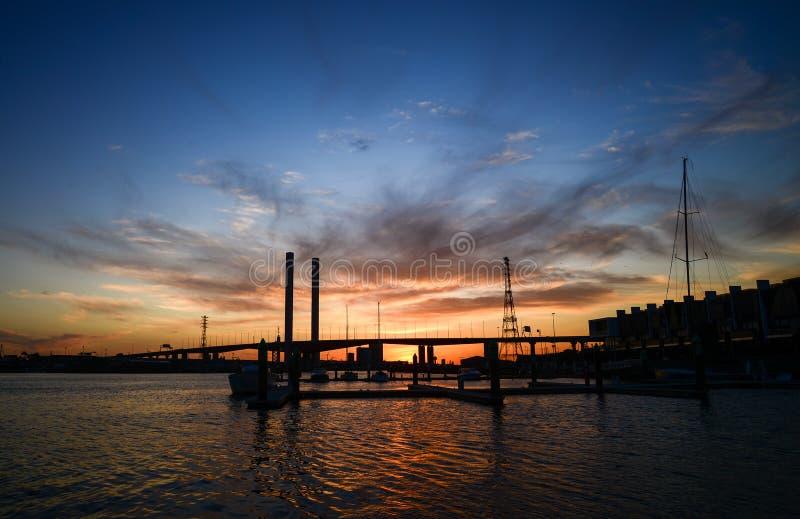 Nuit d'hiver aux quartiers des docks image libre de droits