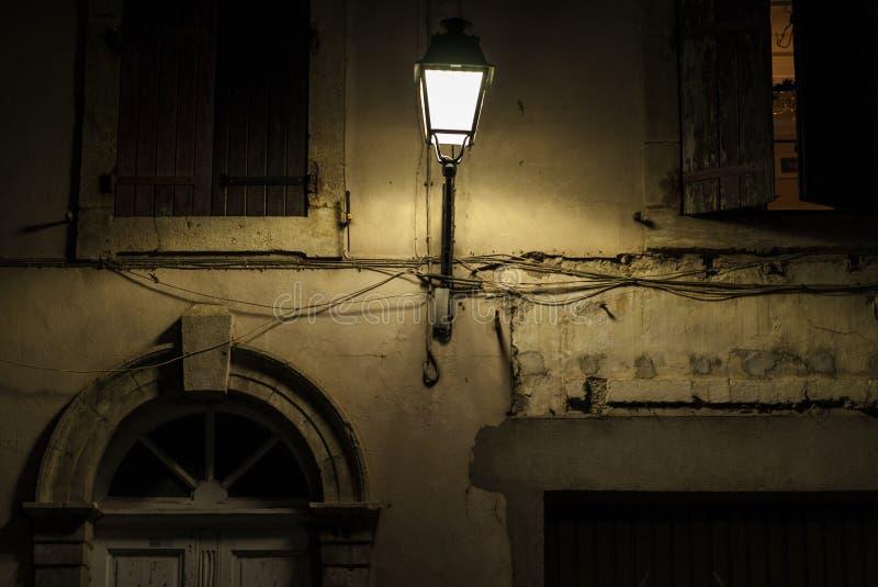 Nuit dans Béziers, France photo stock