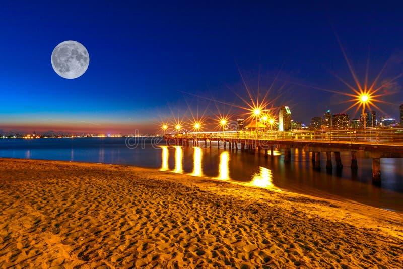 Nuit de Coronado Pier San Diego images libres de droits