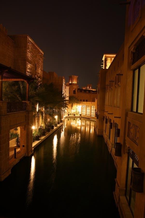 Nuit de Dubaï images libres de droits