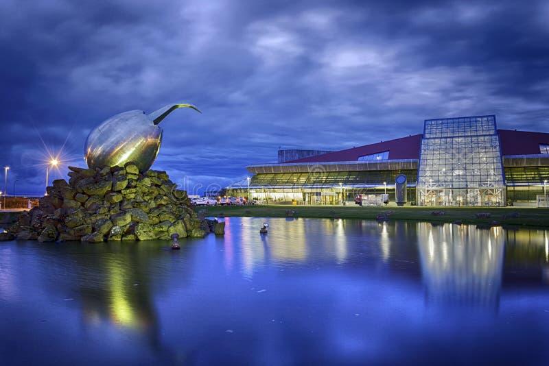 Nuit de l'Islande d'aéroport de Keflavik photo libre de droits