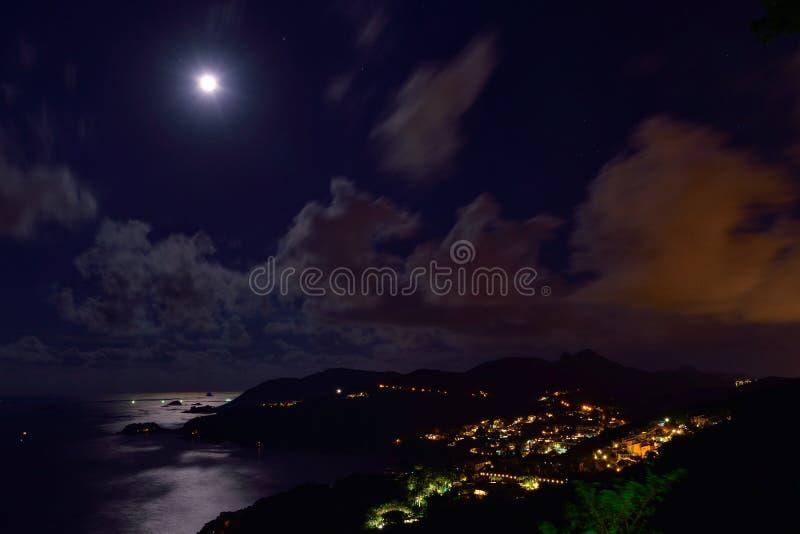 Nuit de pleine lune en Sai Kung photos stock