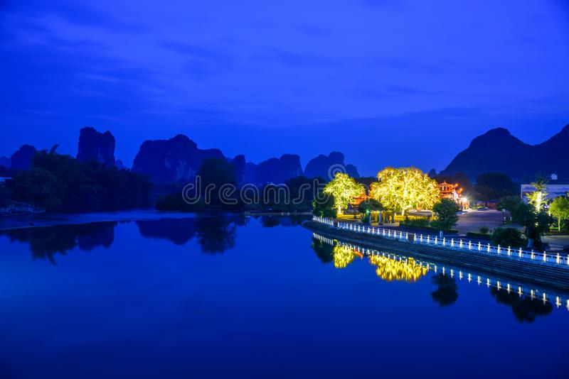 Nuit de rivière de Yulong image libre de droits