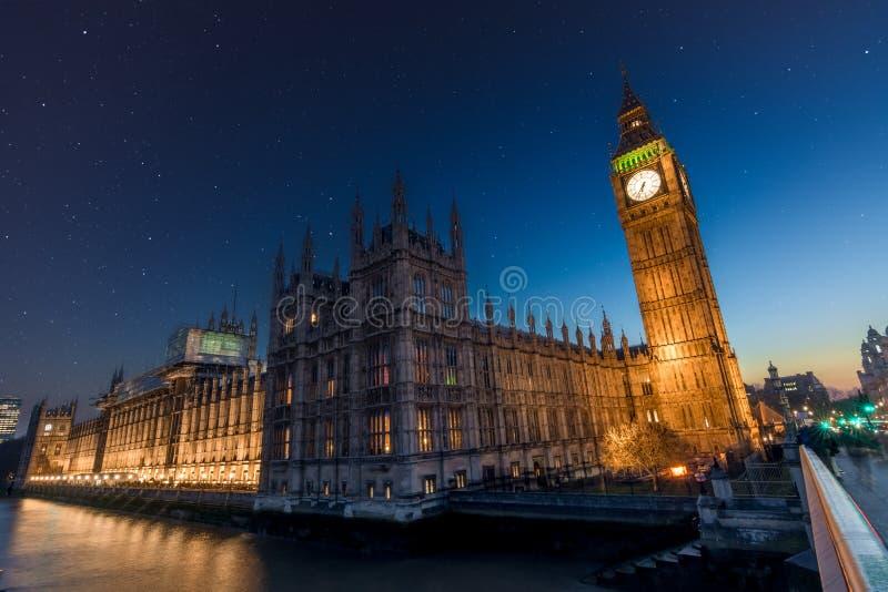 Nuit de Stary chez Big Ben photos libres de droits