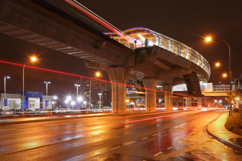 Nuit de station de Brentwood, Burnaby, Colombie-Britannique images libres de droits