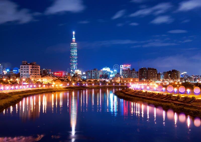 Nuit de ville de Taïwan Taïpeh images libres de droits