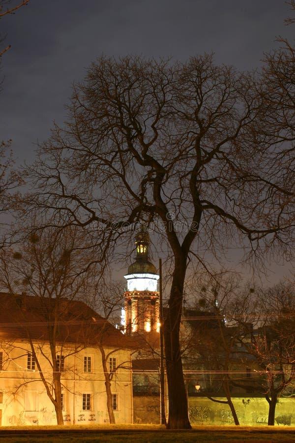 nuit de ville vieille photos libres de droits