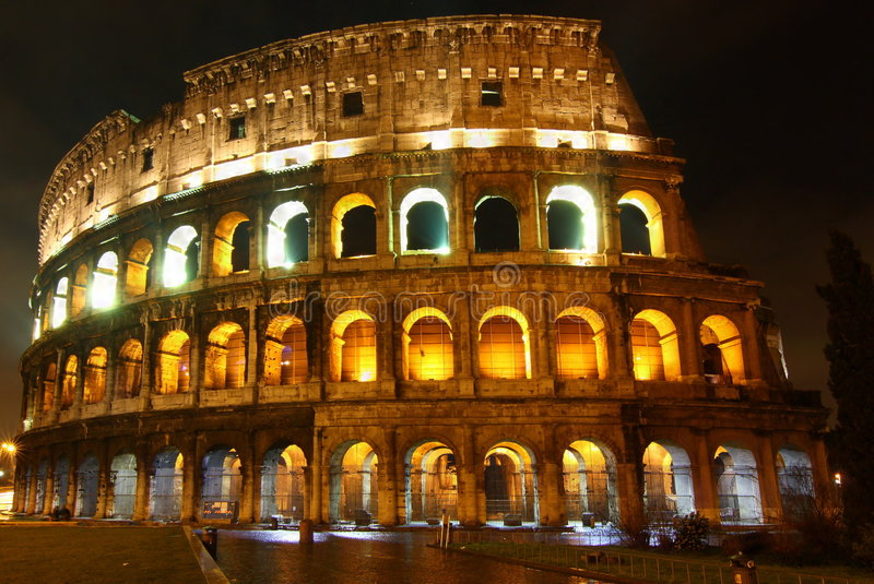 nuit Rome de colosseo images stock