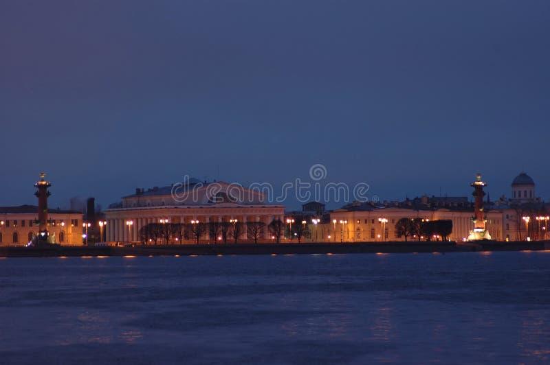 Nuit St Petersburg de musées photographie stock libre de droits