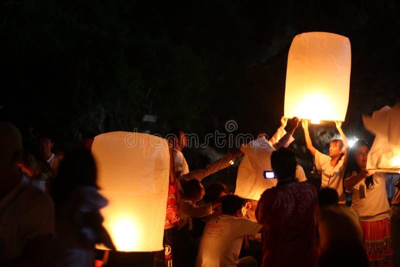 Nuit thaïlandaise de lampes image libre de droits
