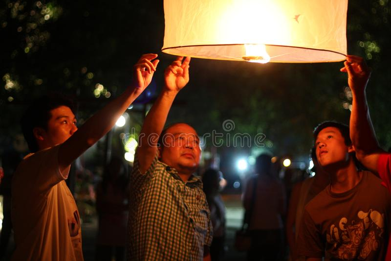 Nuit thaïlandaise de lampes - fin  images libres de droits