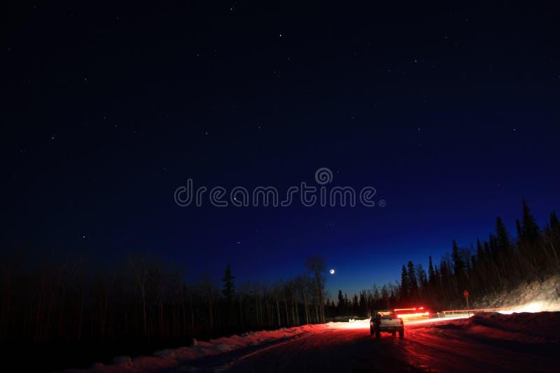 Nuit ?toil?e en Alaska photographie stock libre de droits
