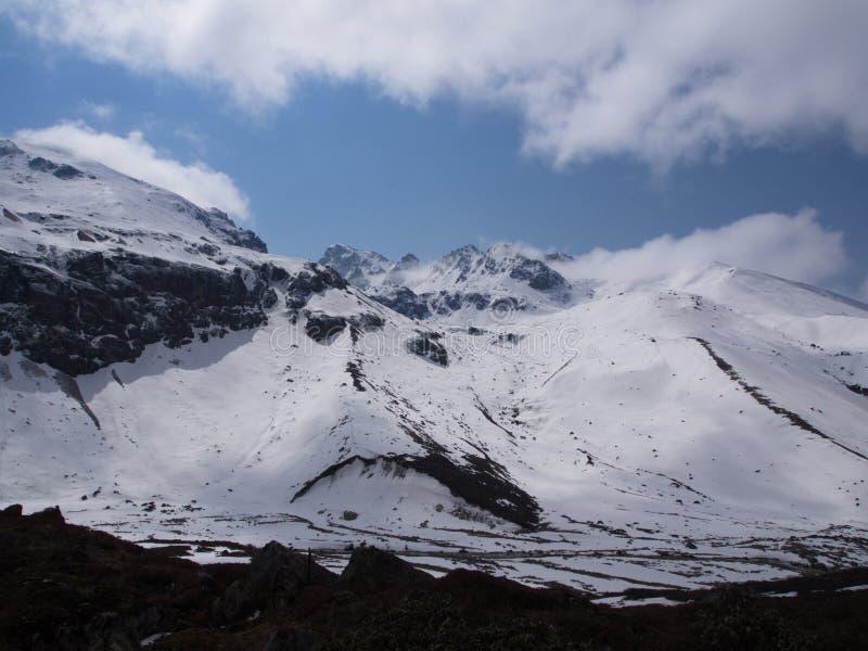 Nullpunkt Sikkim, wo Zivilist-Straße zum Himmel beendet, Sikkim HEREIN stockbild