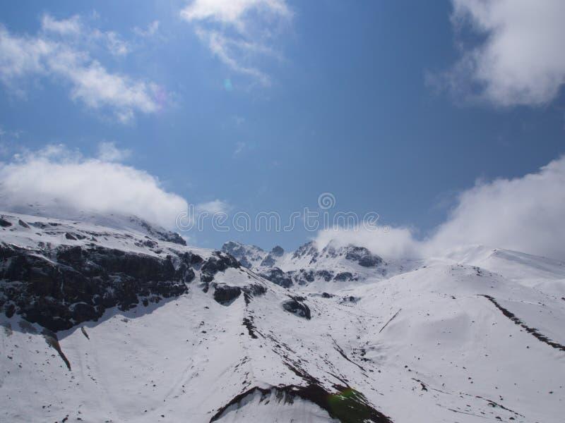 Nullpunkt Sikkim, wo Zivilist-Straße zum Himmel beendet, Sikkim HEREIN stockfotos