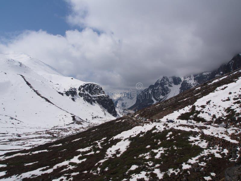 Nullpunkt Sikkim, wo Zivilist-Straße zum Himmel beendet, Sikkim HEREIN lizenzfreies stockfoto