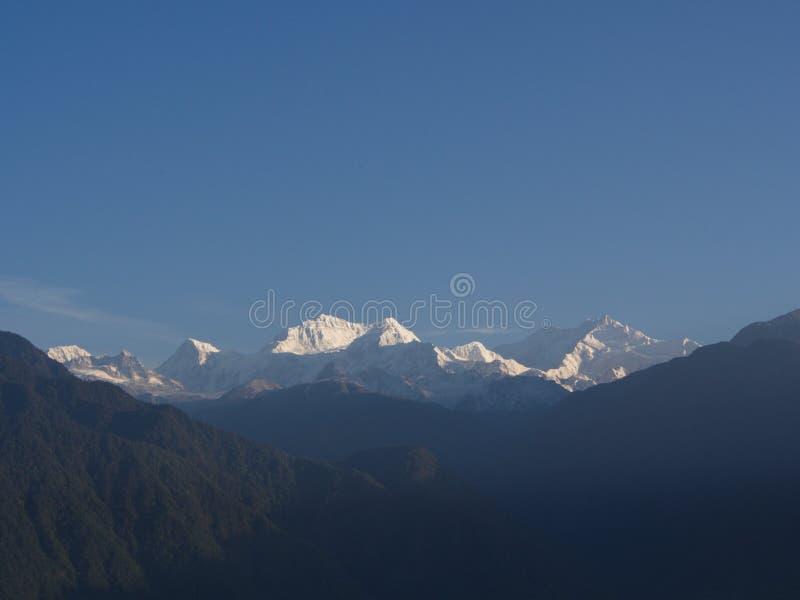 Nullpunkt Sikkim, wo Zivilist-Straße zum Himmel beendet, Sikkim HEREIN lizenzfreie stockfotos