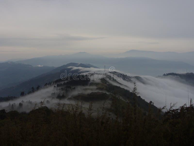 Nullpunkt Sikkim, wo Zivilist-Straße zum Himmel beendet, Sikkim HEREIN lizenzfreies stockbild