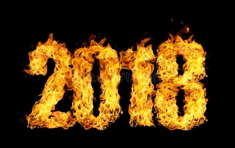 Numéro 2018 écrit par des flammes du feu photographie stock