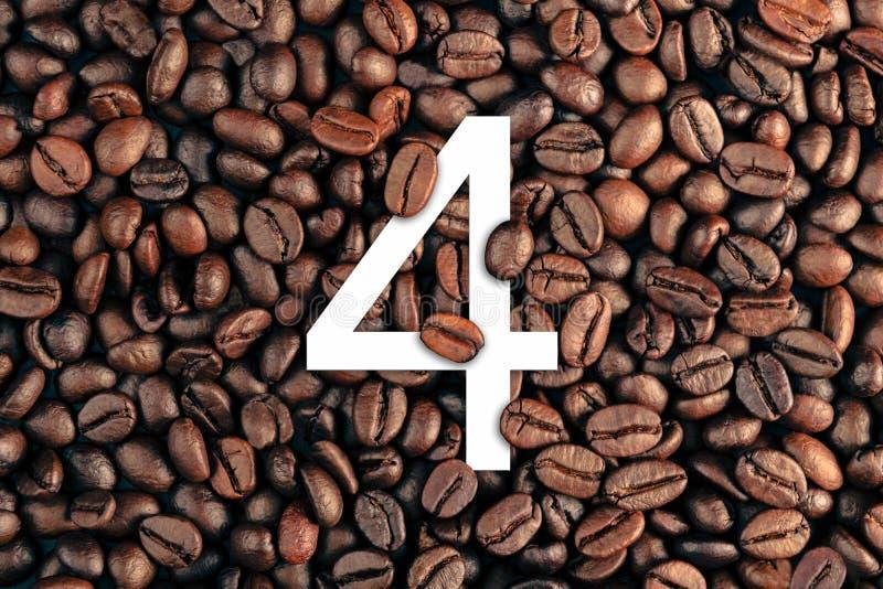Numéro quatre sur le concept de fond de grain de café photos libres de droits