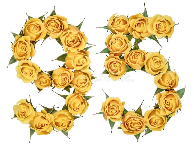 Numeral árabe 95, cinco noventas, das flores amarelas da rosa, iso foto de stock