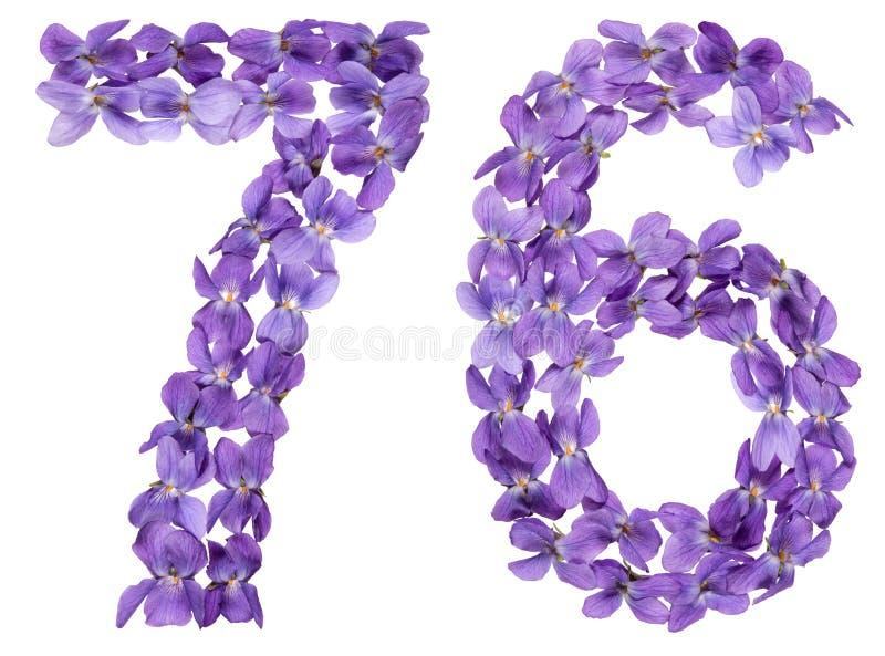 Numeral árabe 76, setenta seis, das flores da viola, isoladas foto de stock